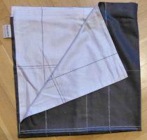 Billerbeck Elegante Fekete-szürke osztott pamut (maco-satin) nagypárna huzat, 80x80 cm